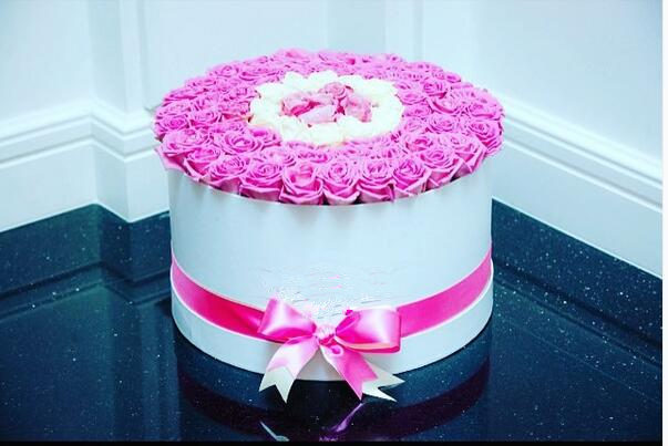 EECA Flower box Hot Sale High Quality Glossy /Round flower box/Matte Laminated Printing Flower Hat Box with lid and silk ribbon in China