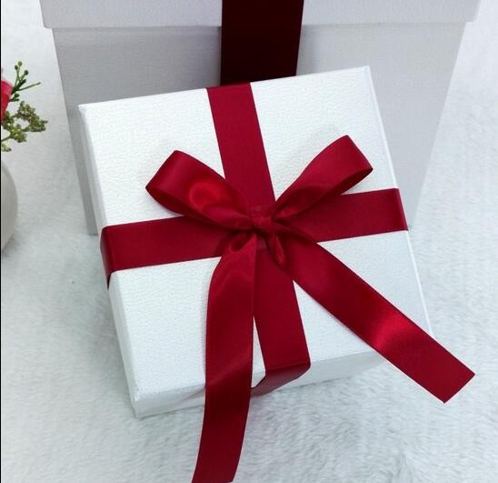 Square gift box custom packaging boxes logo cube plain white custom cosmetic packing box with ribbon gift packaging box
